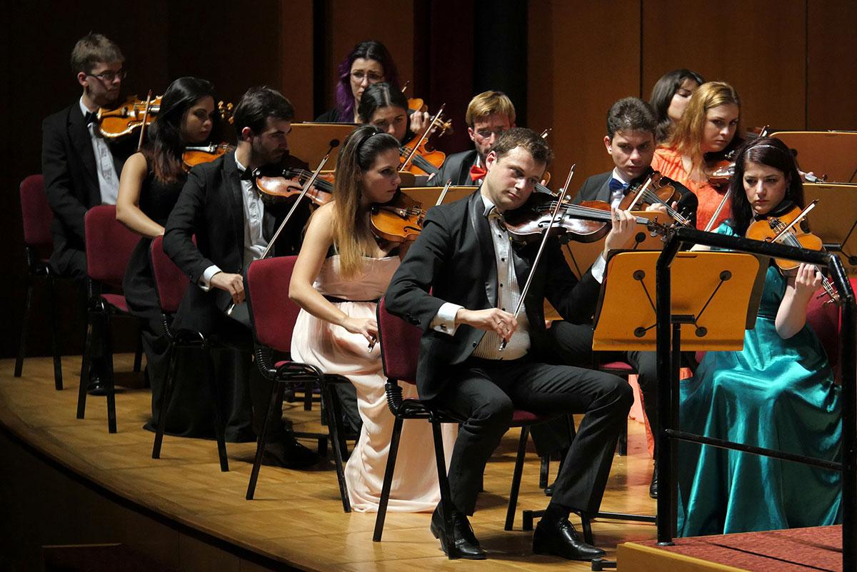 Orchestra-Romana-de-Tineret_Cristian-Mandeal_Istanbu11